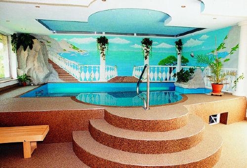 Pool im unteren Bereich des Ferienhaus