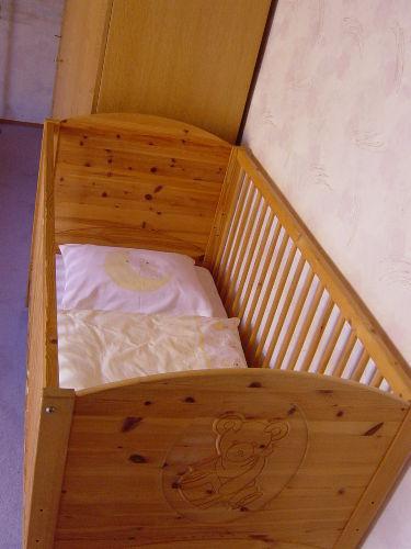 Kinderbett im Elternschlafzimmer