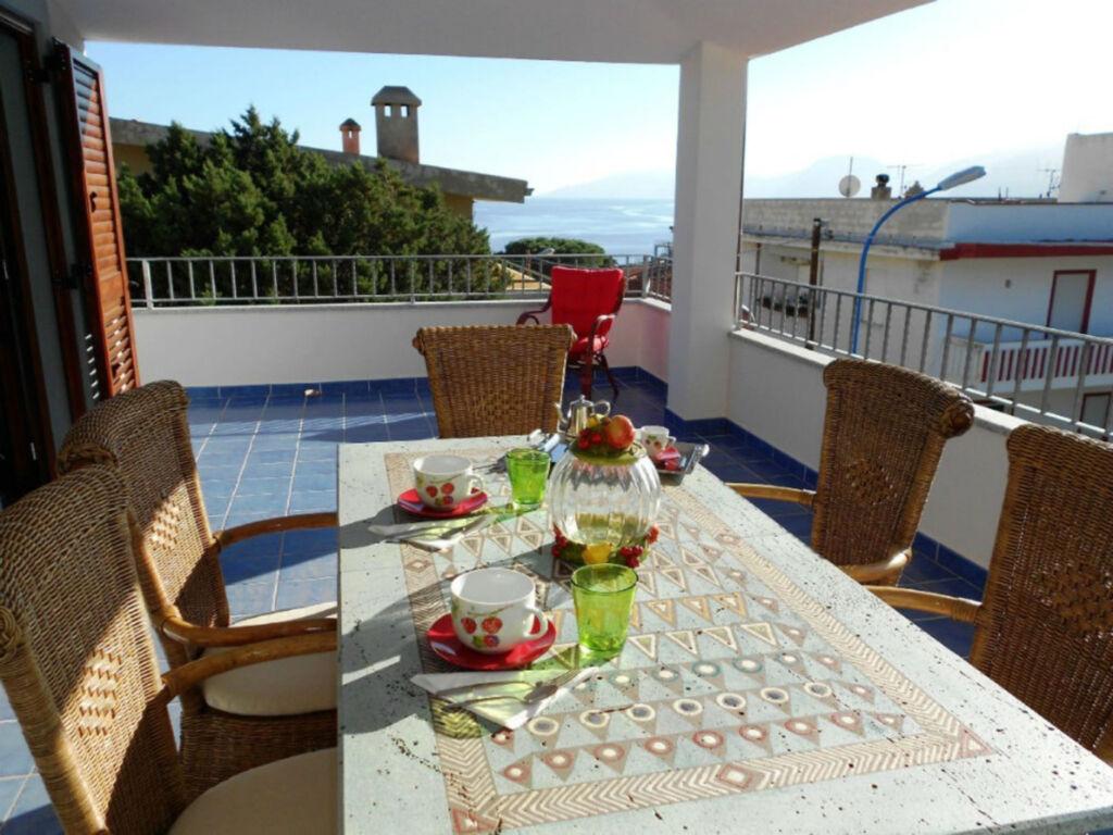 Farbenfrohe und einladende Ferienwohnung