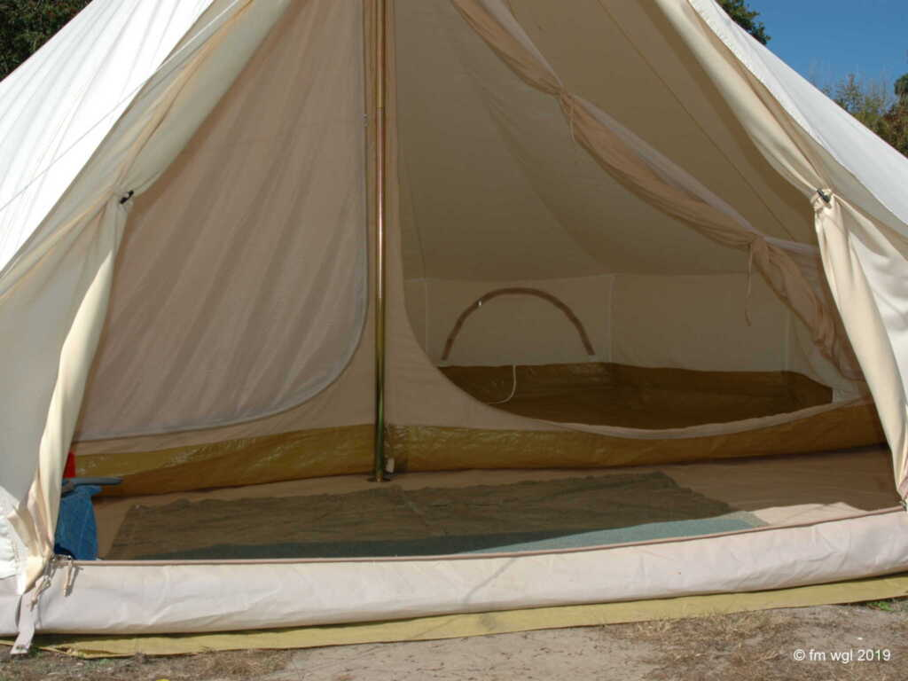 Tipi-Camp, Bussard 4