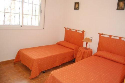 Schlafzimmer mit 2 weiteren Einzelbetten