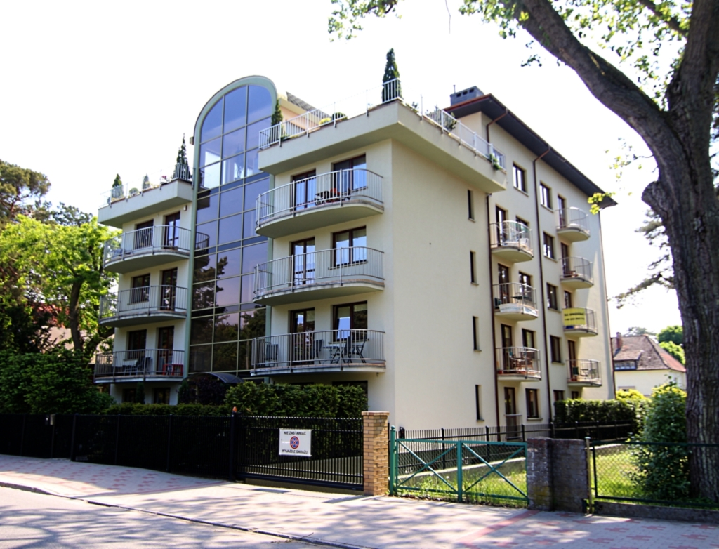 Rezydencja Zeromskiego (M1), M1