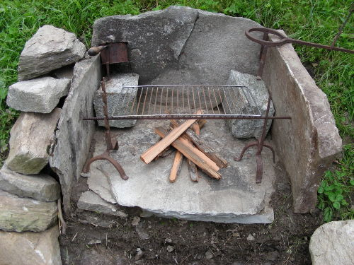 Griller aus Naturstein