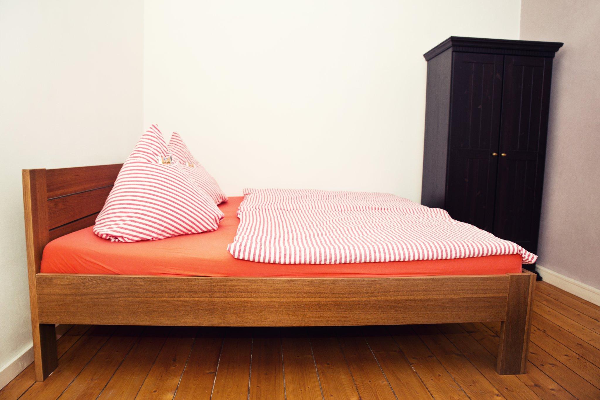 Schlafzimmer App. 5
