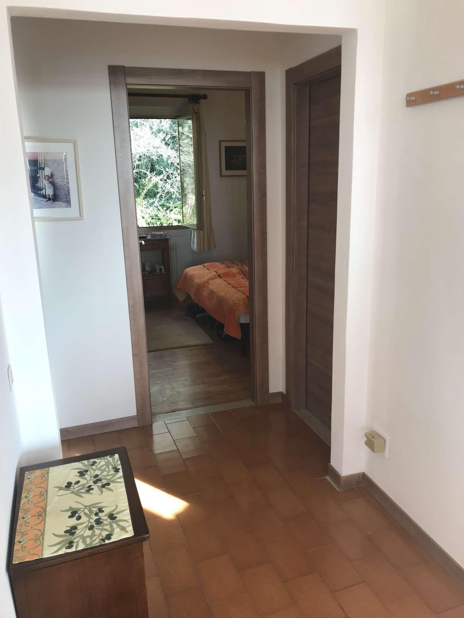 Gr��eres Schlafzimmer mit Einbauschrank
