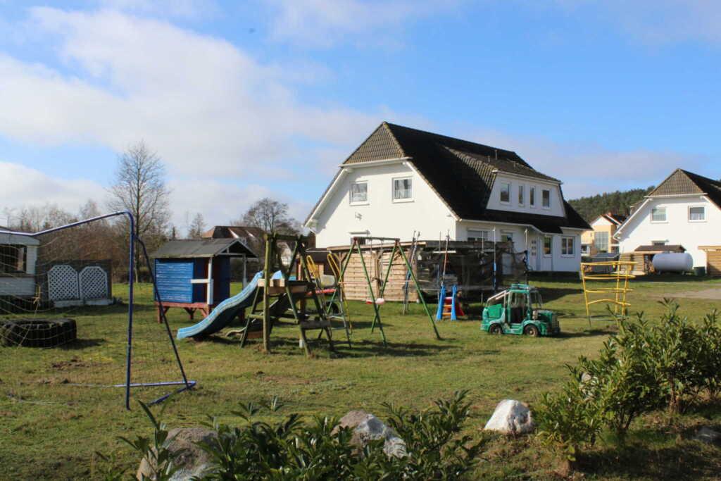 Ferienwohnungen Familie Piel, Haus 3 Fewo 2 oben r