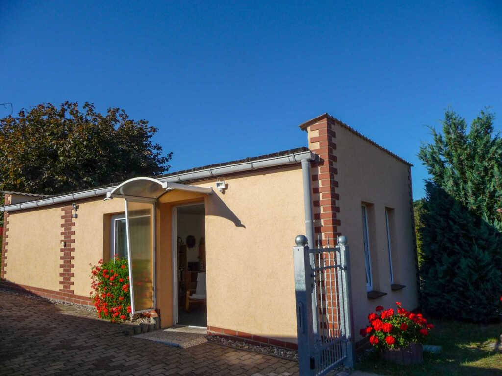 Bungalow im Garten, Ferienhaus