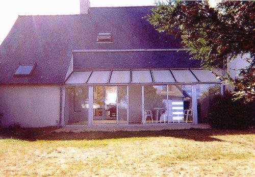 Rückseite des Hauses mit Garten