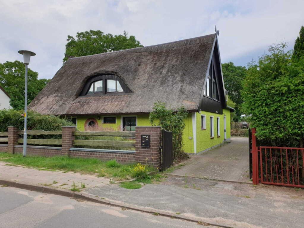 Ferienwohnung im reedgedeckten Haus am Bodden, Fer
