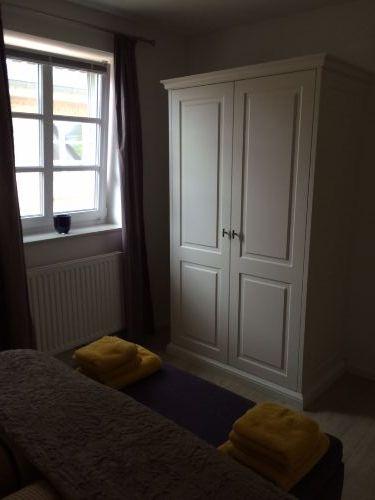 Schlafzimmer 1 mit Fliegengitter