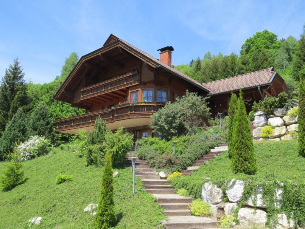 Haus am Hügel mit eigenem Pool, Ferienwohnung mit
