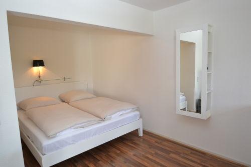 Doppelbett mit hochwertiger Matratze