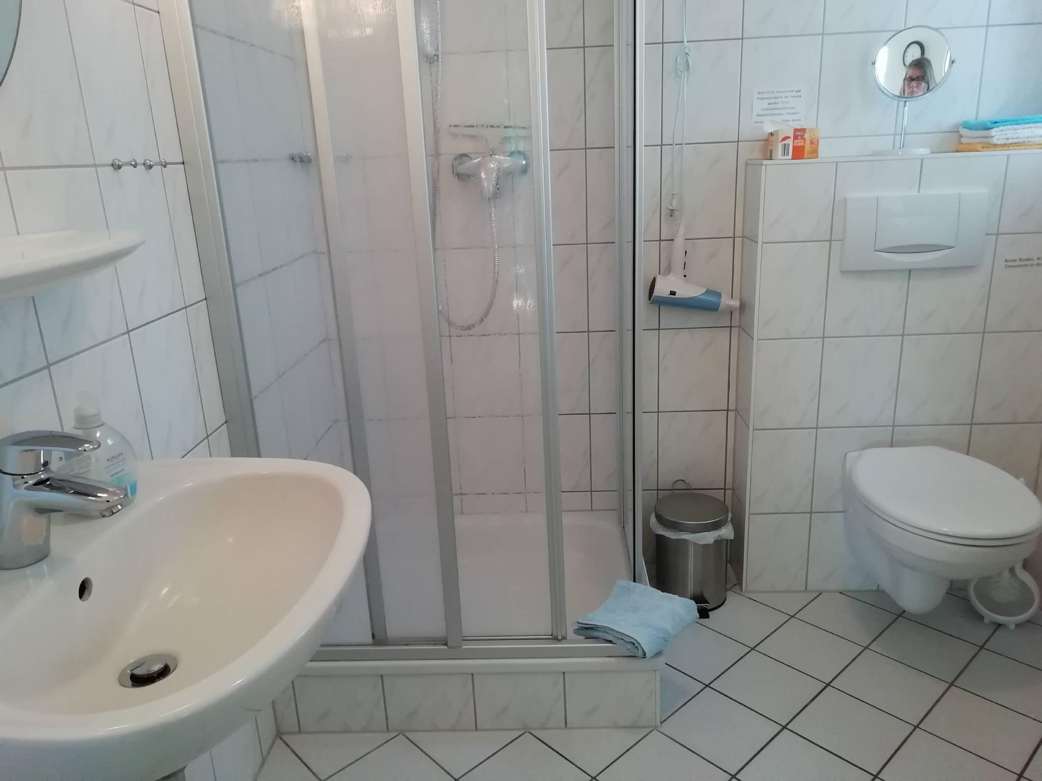 Bad mit 2 Aussenfenster