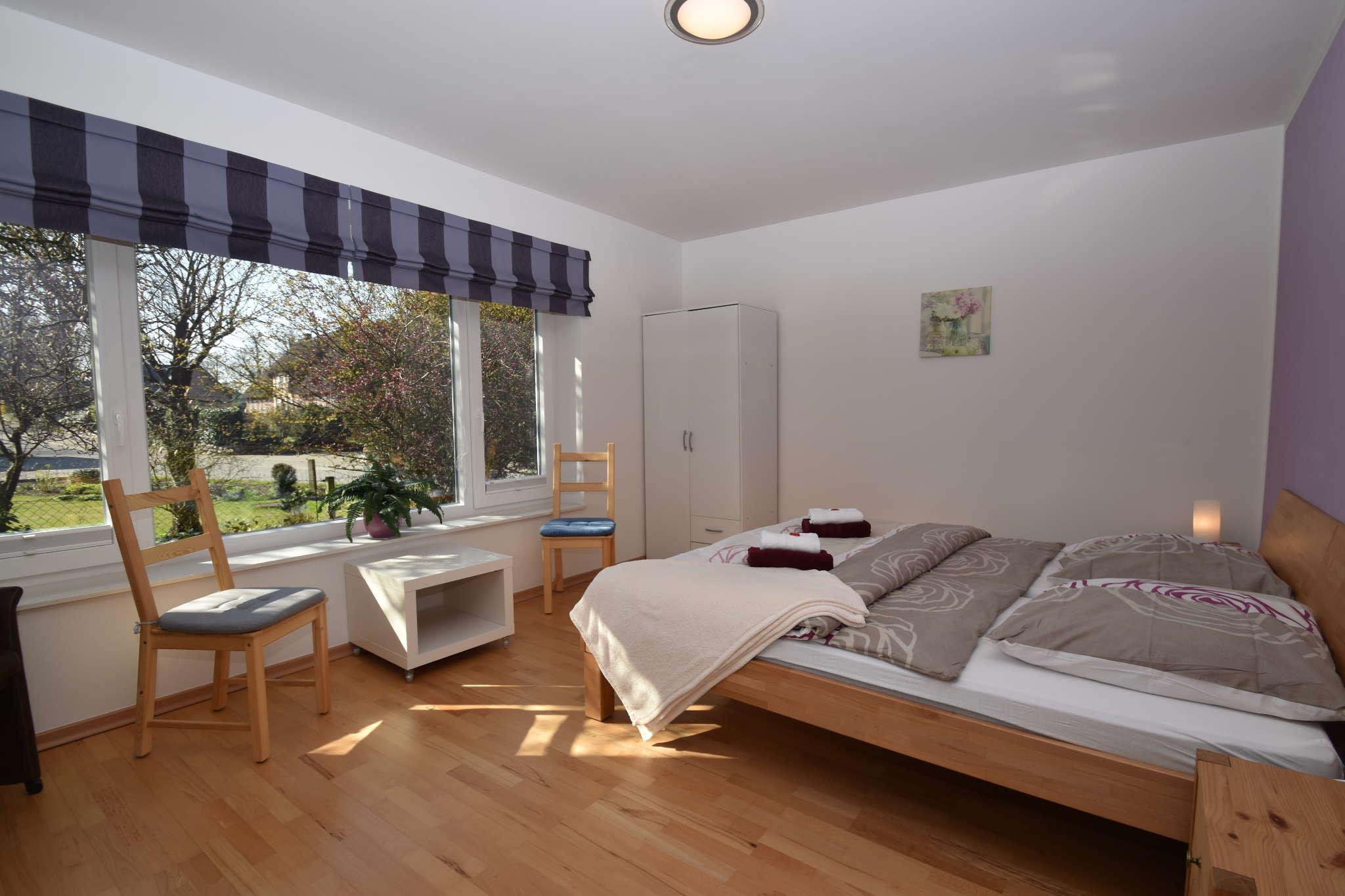 2-Bett Schlafzimmer