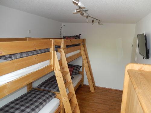 Schlafzimmer mit 2 Etagenbetten