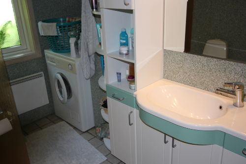 Sch�ne Bad mit Waschmaschnie