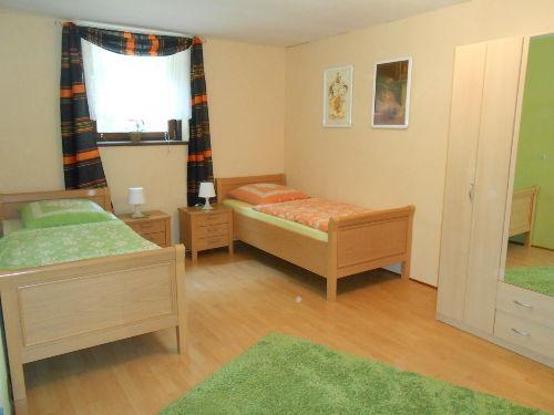 Grünes Zimmer (Zustellbett möglich)