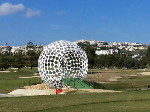 Zwei 18-Loch-Golfpl�tze der Anlage
