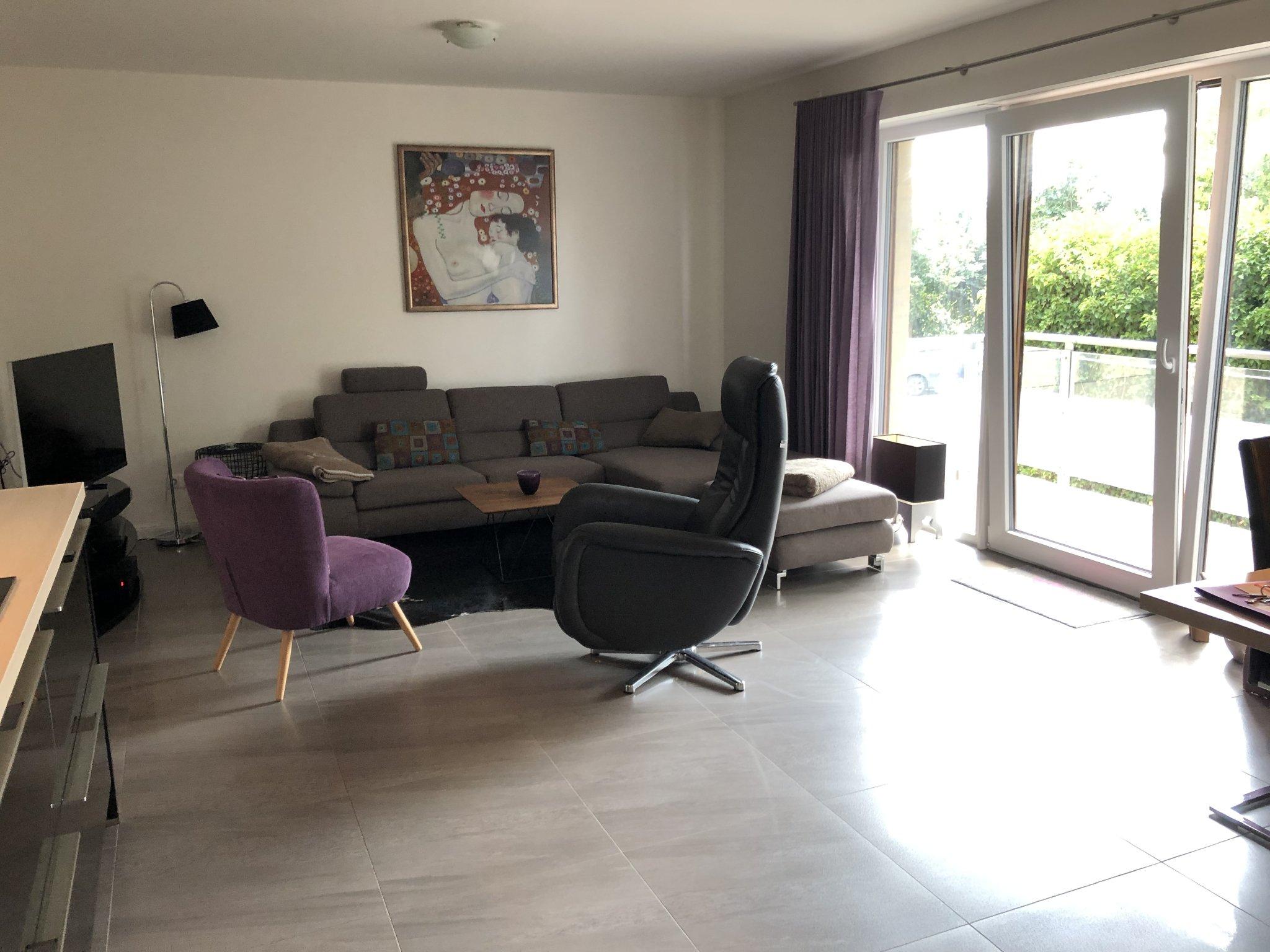 Wohnzimmer mit 3D-TV/ 3D Blu-ray-Player