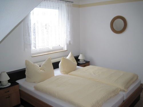 Schlafzimmer f�r 2Pers.