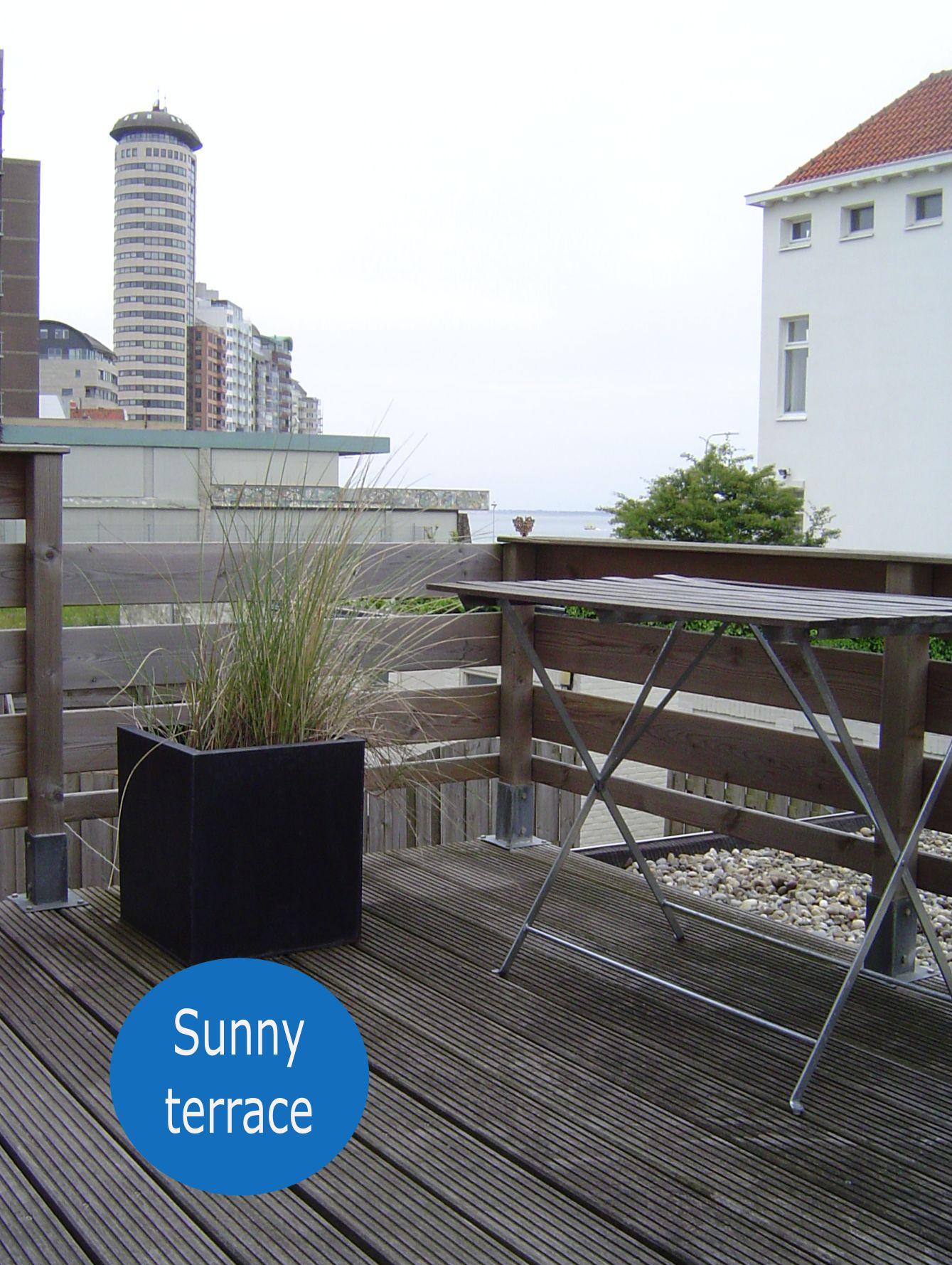 Ruhig gelegener Balkon mit Seeblick (SW)