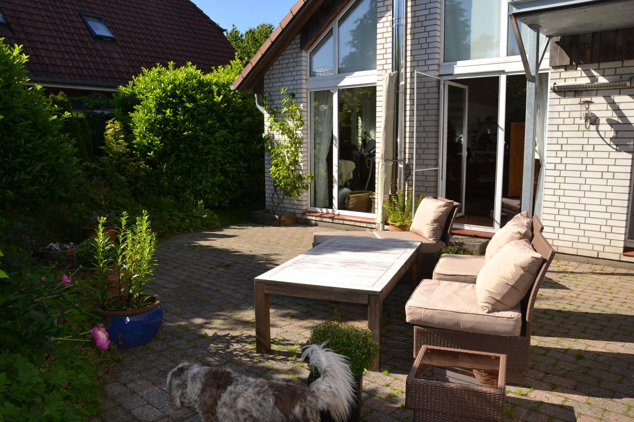 Uneinsehbare Terrasse vor der Ferienwohnung