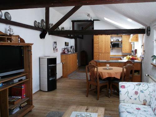 Blick vom Wohnzimmer in den Küchen