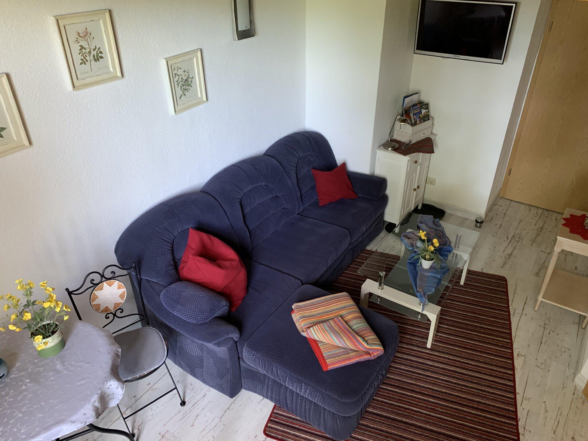Wohnbereich, Couch ausziehbar