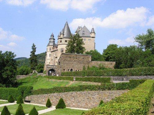 Schlossb�resheim