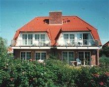 Ferienhaus Frontansicht (4 Wohnungen)