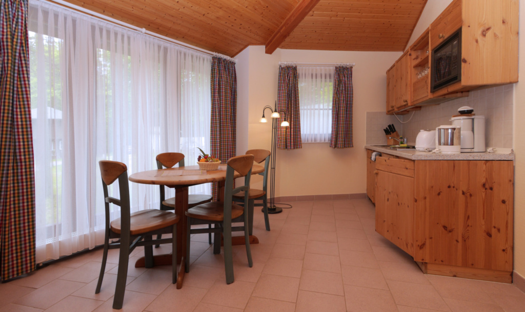Kanadische Strandbungalows Waldoase, 2w5oB