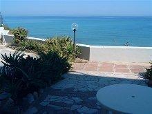 Terrasse mit Blick zum Meer