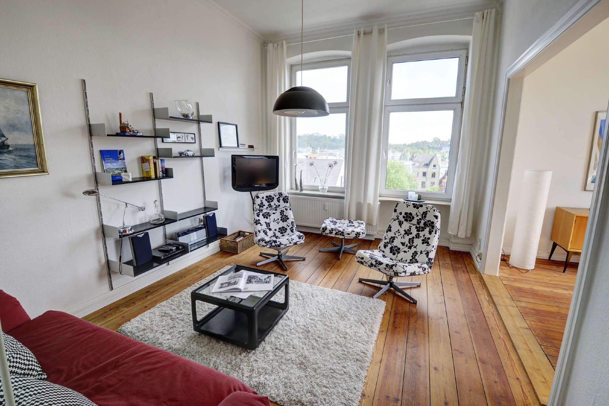 Wohnbereich mit Hafenblick