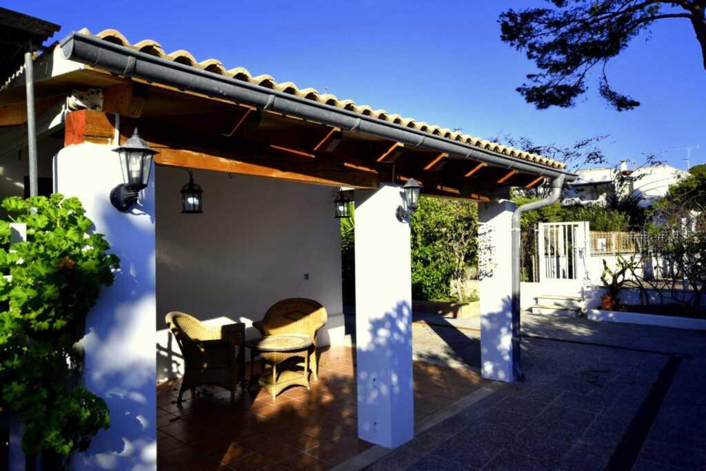 44236 Modernes Strandhaus Barbara