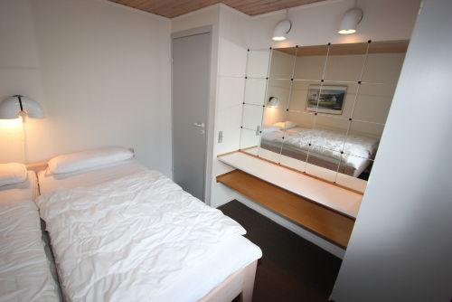Schlaffzimmer mit 180 x 200 cm Bett