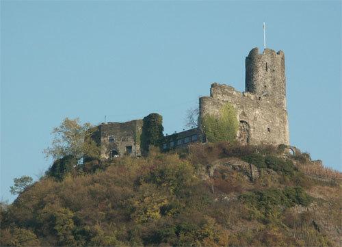 Burg Landshut im nahe gelegenen Bernkastel