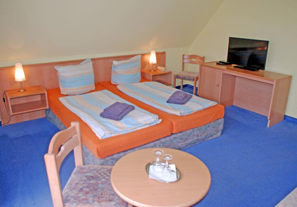 DEB 011 Pension - direkt am Wasser, 05 Doppelzimme