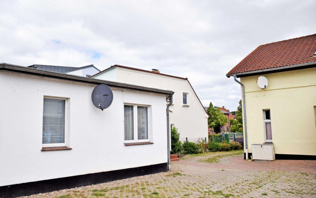 DEB 015 Ferienwohnung mit Garten und Sundblick n.