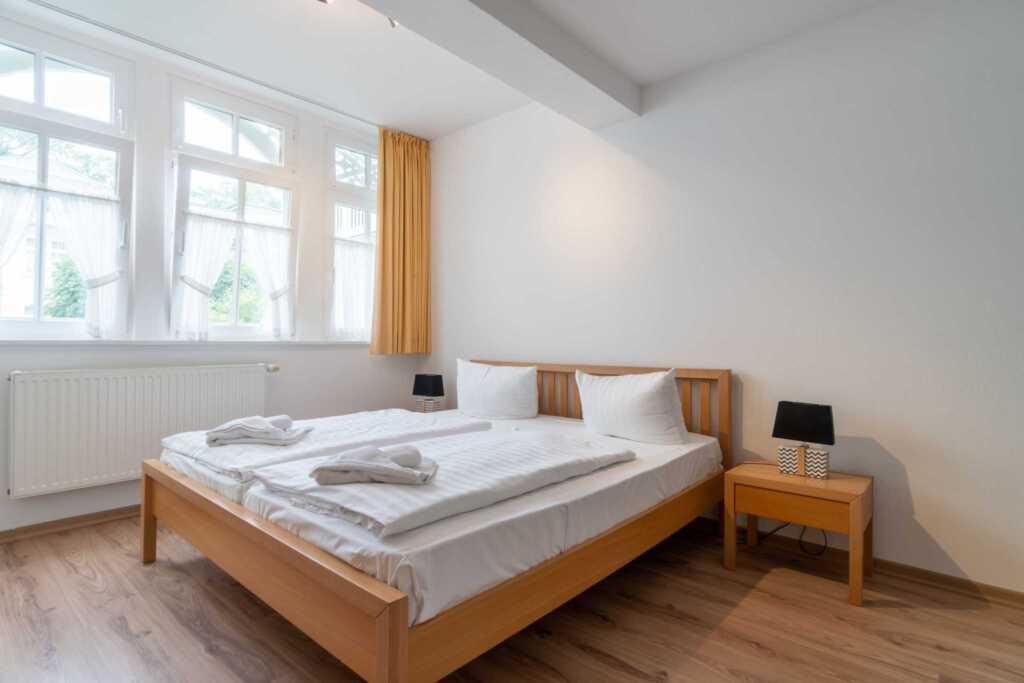Villa Eden, 2 - Raum - Apartment (A.3.11), mit Bal