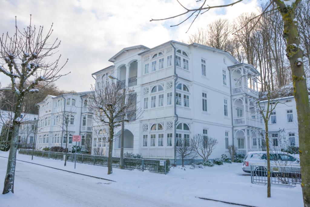Villa Eden, 2 - Raum - Apartment (A.3.12), mit Bal