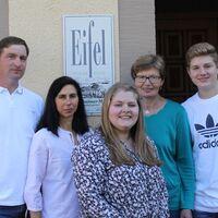 Vermieter: Ihre Gastgeber Klaus u. Elisabeth Tilkes