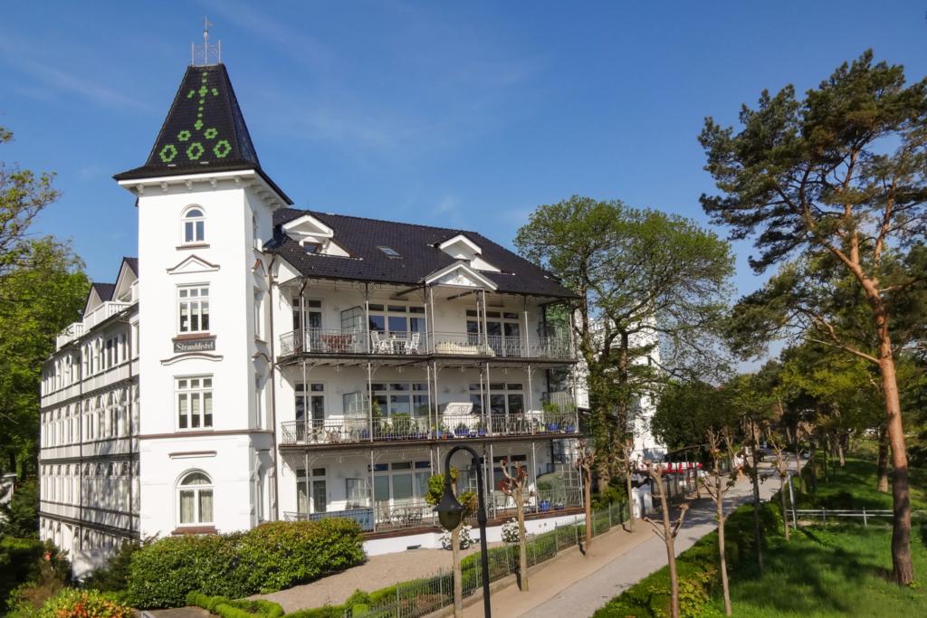NEU Juli 2015 - PUSTEBLUME in der Villa Stranddist