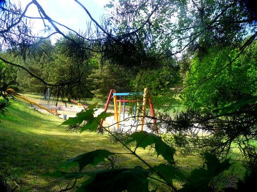 Frischluft-Spielplatz im Tiefgrünen