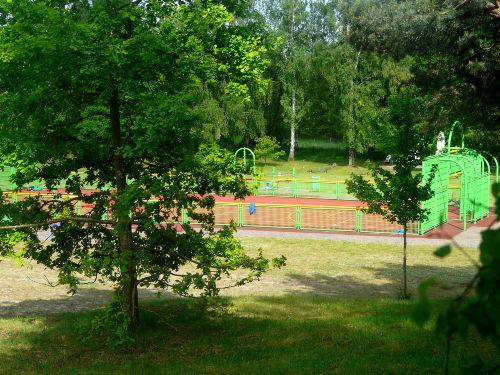 Benachbarter Sportplatz zum Mitnutzen