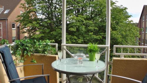 Balkon mit Ausblick auf Kastanie