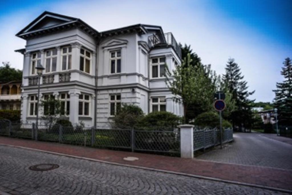 Villa Franz, Promenade