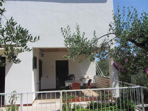 Ap. 1: Eigene Terrasse