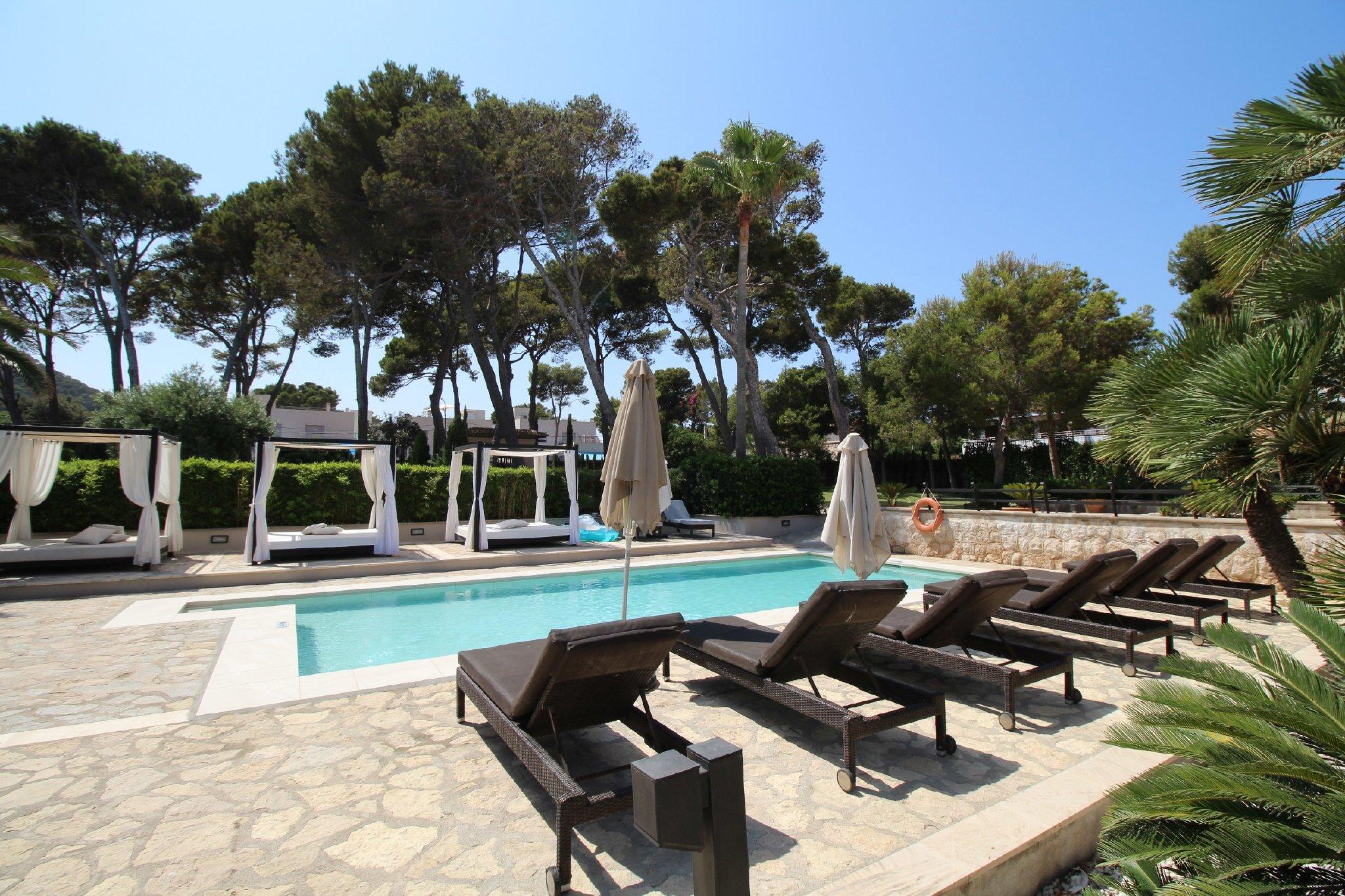 Villa ORIENT Poolbereich