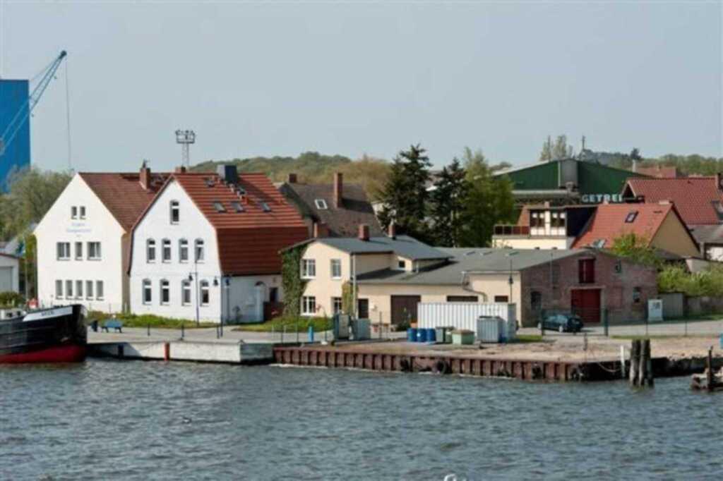 Ferienscheune im Hafen von Wolgast