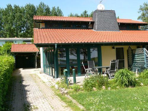 Doppelhaushälfte m. Terrasse z. Seeseite
